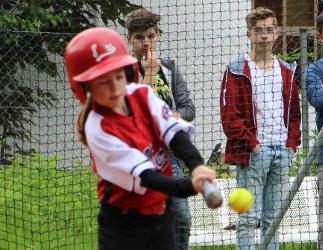 Schaller Nina at bat