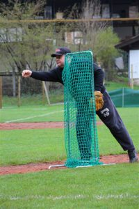 2016 04 30 - Schueler Tossball_Pitcher Harry Wissmann