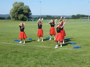 Arri Cheerleaders bei ihrem Auftritt
